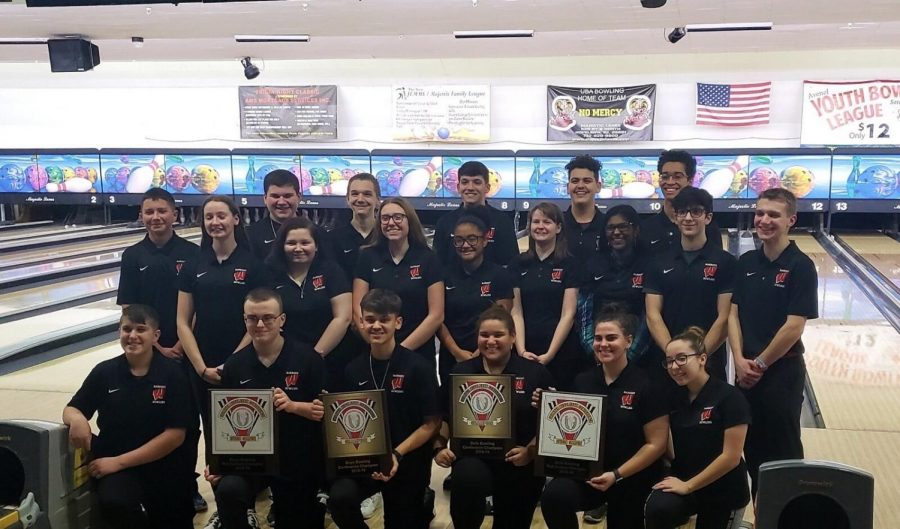 2018-2019 bowling team winning GMC county tournament. They finished with a combined record of 30-2-1.
